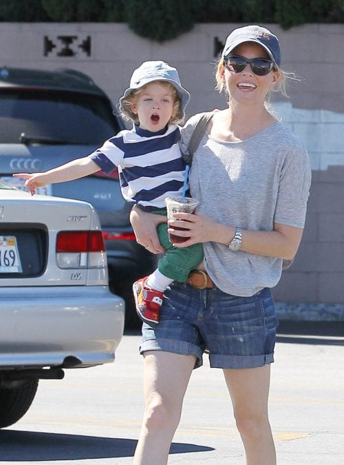 Celebrity Elizabeth Banks  and Her Thoughts on Surrogacy